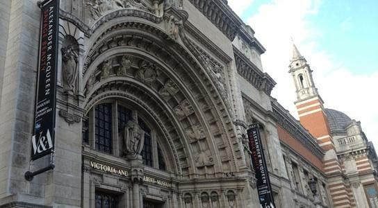 Alexander McQueen Modespitze Blog 2015 London Savage Beauty Ausstellung Spitze