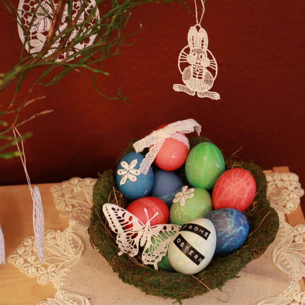 Warum bringt der Osterhase die Ostereier und ein DIY für spitzenverzierte Eier