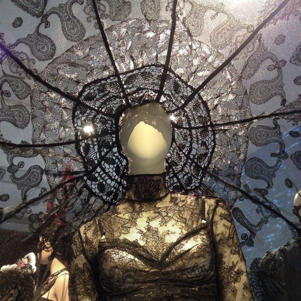 Jean Paul Gaultier Austellung in München - Ein Traum aus Spitze