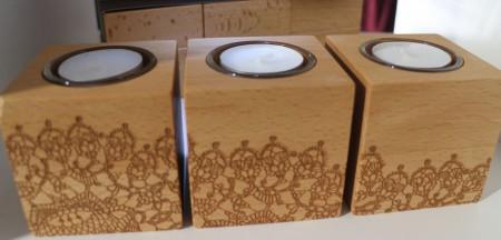 Auch auf dem Kerzenständer finden sich Motive von Spitze aus den 20er Jahren