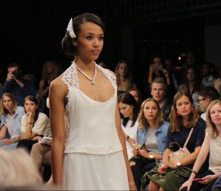 die Couture-Kollektion von Julia Starp mit Plauener Spitze und Hemp Silk