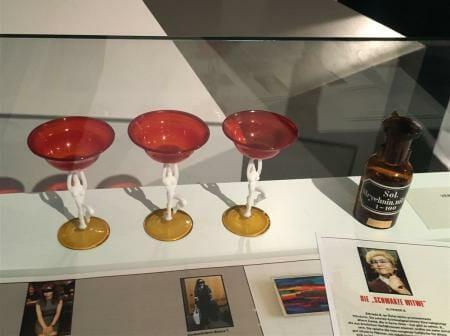 Ausstellungstipp - Die Waffen der Frauen in Suhl im Waffenmuseum