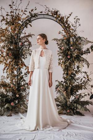 Yoora Studio Bratislava - nachhaltige Brautkleider - Bio-Spitze GOTS zertifiziert - organic lace collection by Modespitze Plauen