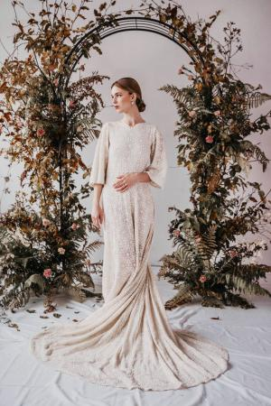 Yoora Studio Bratislava - Sustainable Wedding Dress with Organic Lace by Modespitze