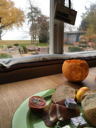 Restaurant und Hotel Wunderbar in Arbon / Schweiz - Frühstück mit Blick auf den Bodensee