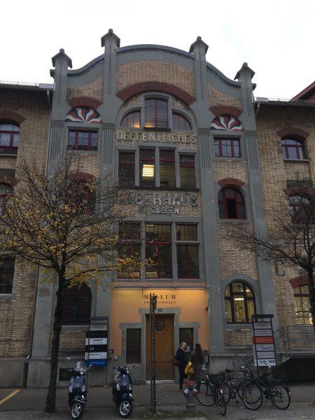 Das ehemalige Lagerhaus für Stickereiwaren in St. Gallen beherbergt heute Ausstellungen und Restaurants
