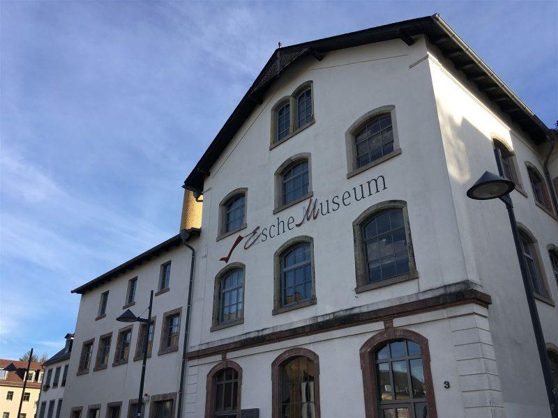 Esche Museum - Textil, Wirkmaschinen, Mailimo, Strumpwirkerei und Stadtgeschichte in Limbach-Oberfrohna